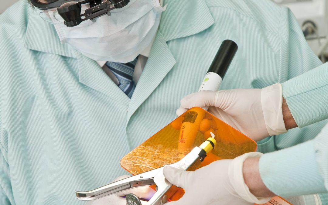 Implantes dentales mal insertados: negligencia médica