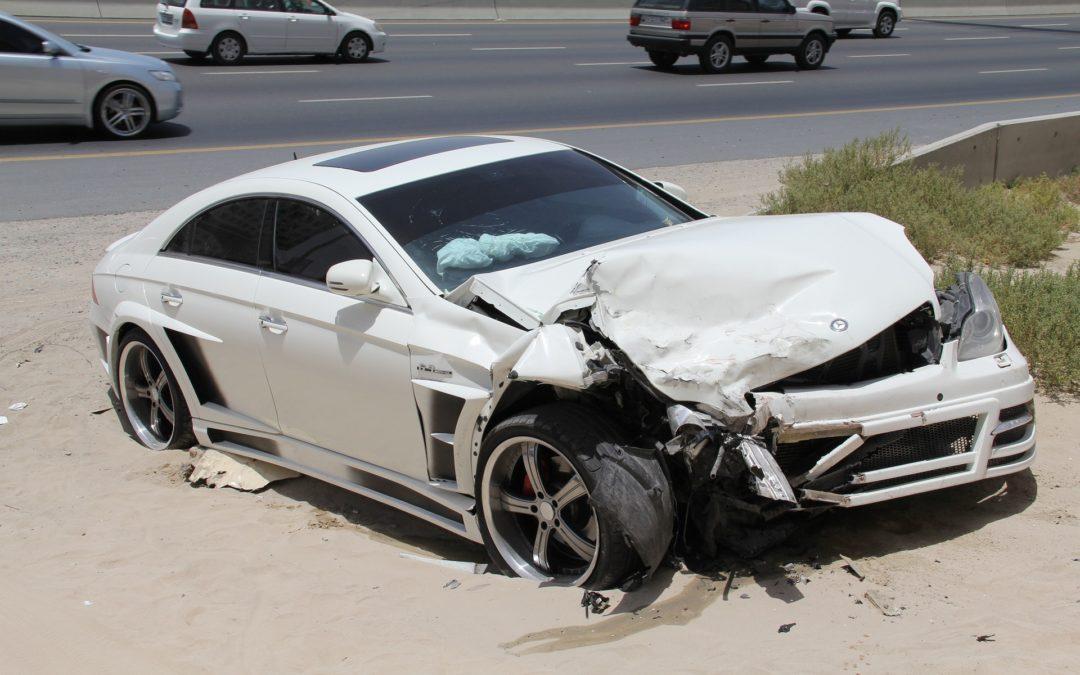 Me he quedado sin coche por un accidente de tráfico, ¿puedo alquilar uno sin coste?